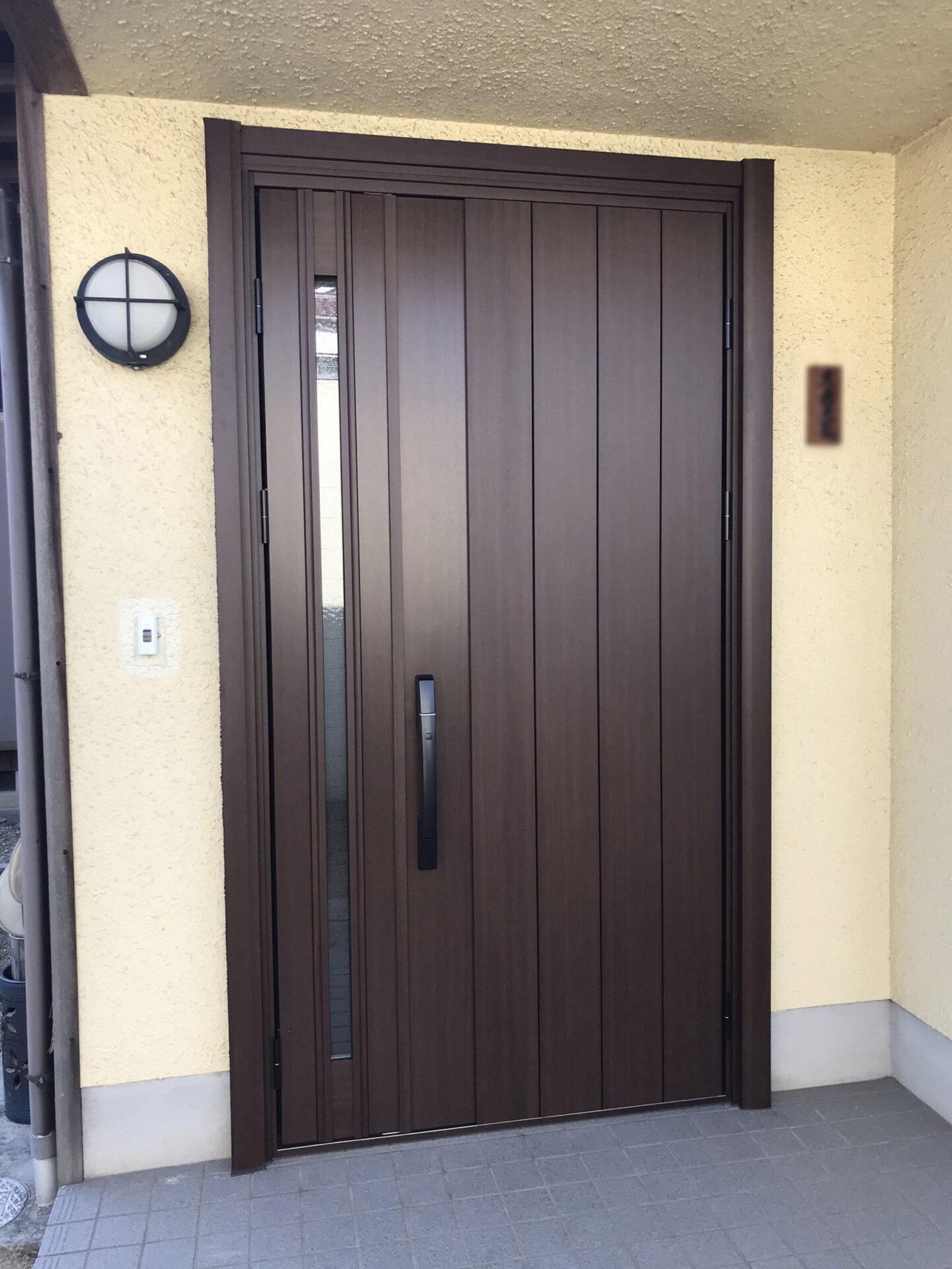 西区H様邸玄関ドアお取り替え